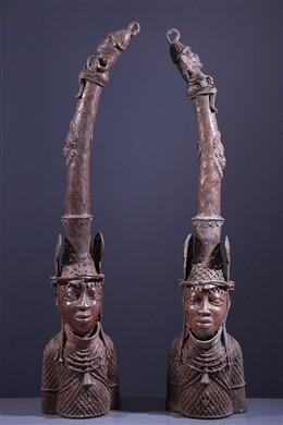 Paar Benin bronzen altaarkoppen