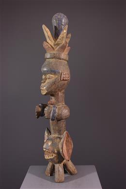 Iphri Urhobo standbeeld