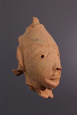 Nok hoofd in terracotta