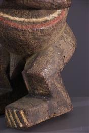 Statues africainesMambila standbleed