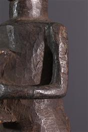 Statues africainesHolo standbeeld