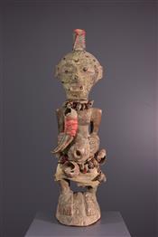 FétichesSongye standbeeld