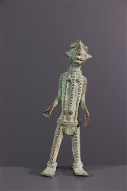 Vere, Duru, beeldje van bronslegering