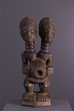 Songye Nkishi tweekoppig standbeeld