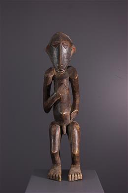 Buyu, Boyo, Basumba standbeeld