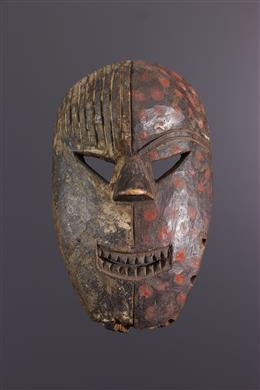 Afrikaanse kunst - Polychroom Salampasu masker