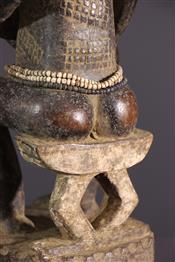MaternitéBaoule standbeeld