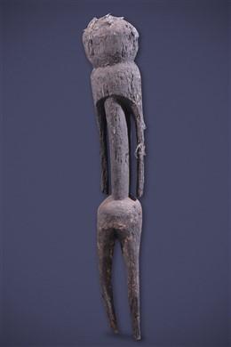 Moba Tchitcheri standbeeld